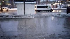 Поплыли: Оренбург испытывает трудности из-за внезапной оттепели