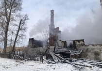 В Звенигове сгорел нежилой дом