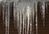 Градоначальник справедливо заметил, что весна наступит совсем скоро, но ее наступление может омрачить неконтролируемый спад снега и сосулек