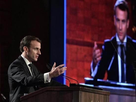 Макрон назвал приговор Навальному колоссальной ошибкой