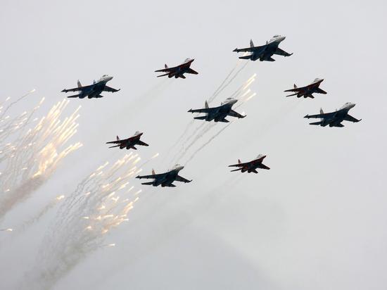 У границ России провели разведку десятки самолетов и беспилотников