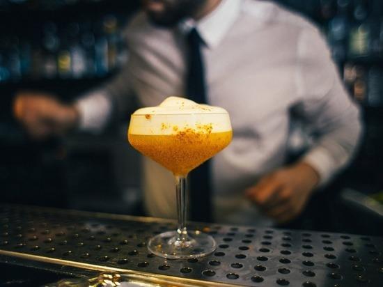 Псковская область заняла 3-е место в СЗФО по числу безработных барменов