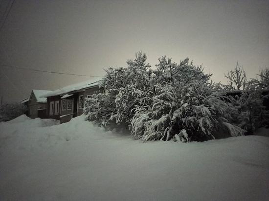 Жители домов на улице Большой в Рязани остались без света и тепла из-за снегопада