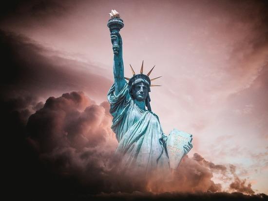Пушков предложил установить статую Свободы в украинском Нью-Йорке