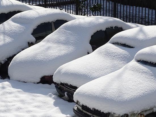 Эксперт назвал самую необходимую вещь в машине зимой