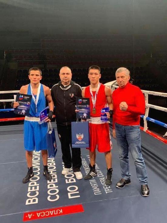 Калмыцкие боксеры взяли в Краснодаре золото и серебро