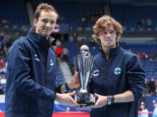 Даниил Медведев и Андрей Рублев принесли нам первый командный титул с 2008 года, обыграв в финале Италию