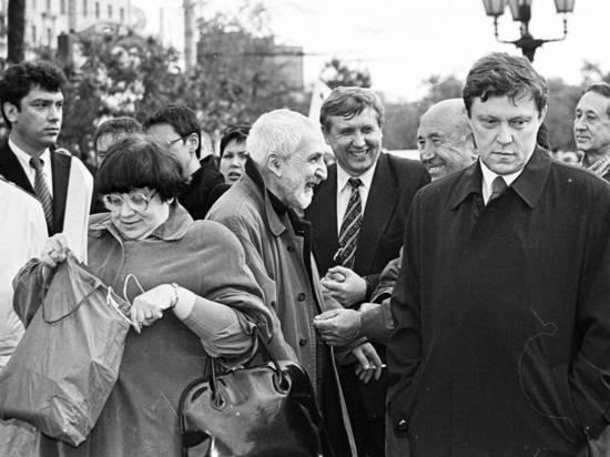 Собчак напомнила, как Явлинского убеждали перейти в лагерь Ельцина