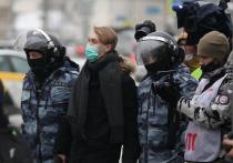 Протестный фон последних недель, вопреки своей календарной несвоевременности, уже начинает влиять на политическую жизнь России