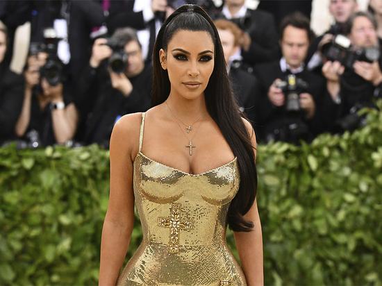 Ким Кардашьян взбудоражила фанатов откровенной рекламой своего бренда