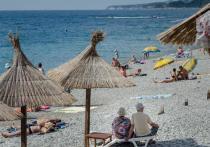 Аксенов поручил убрать реки с нечистотами с пляжей Крыма