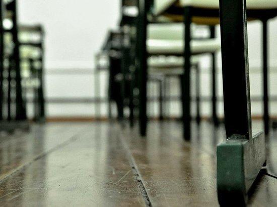 27 классов в Псковской области закрыли на карантин из-за COVID-19