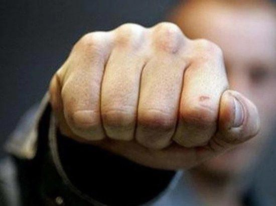 Чебоксарец замахнулся на полицейского кулаком и получил 11 месяцев колонии