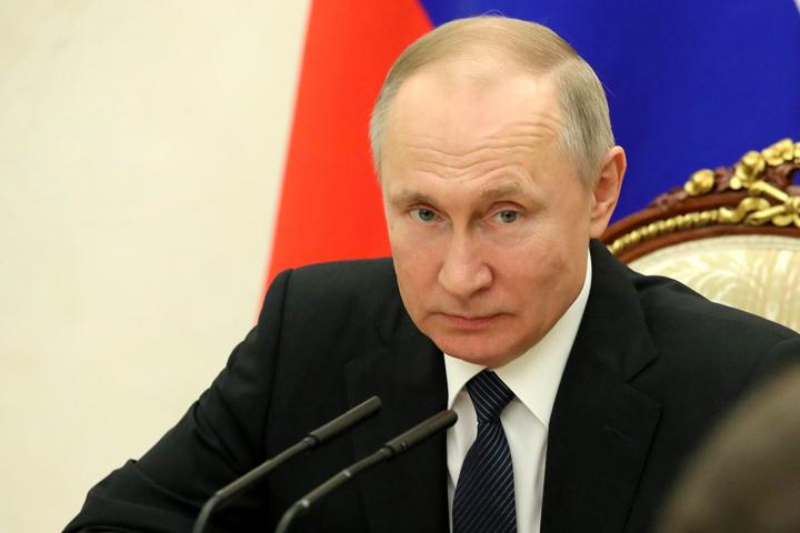 """Путин потребовал разобраться с зарплатами ученых в России: """"Где деньги?"""" - Московский Комсомолец"""
