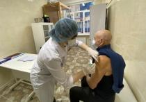 8 февраля губернатор Петербурга объявил о начале «пилотного проекта» по вакцинированию горожан от COVID прямо в торговых центрах