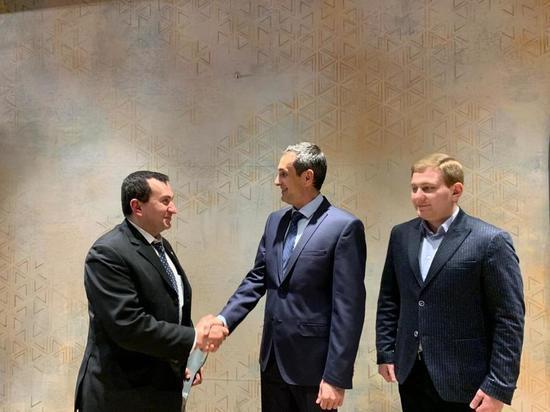 Роман Амстиславский встретился с помощником Полномочного представителя Президента РФ в СКФО