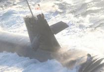 Японская подводная лодка столкнулась с торговым судном во время всплытия в понедельник у тихоокеанского побережья Страны восходящего солнца