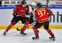 «Омские Ястребы» в Челябинске выиграли в овертайме
