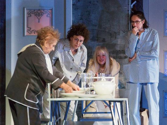 Русский драмтеатр имени Бестужева показал изголодавшейся публике новый спектакль