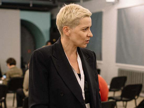 Из блондинки она превратилась в брюнетку