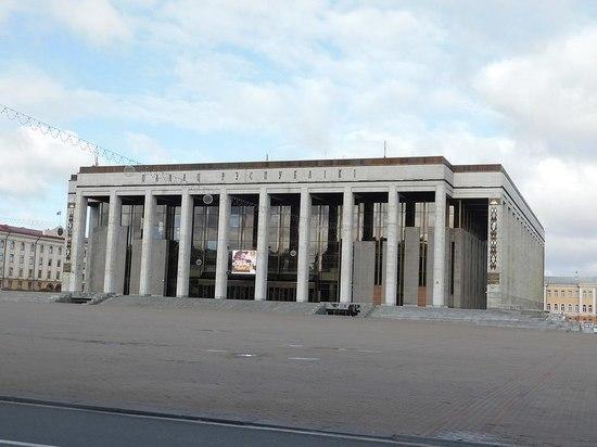 Жители Минска будут смотреть на народных избранников из-за кордонов