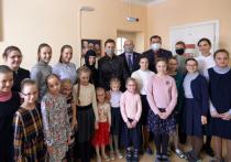 Анна Евгеньевна и Михаил Александрович встретились с девочками, которые сейчас живут в большой православной семье монастыря