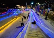 В мегаполисе в минувшие выходные был демонтирован ледовый городок на площади Революции