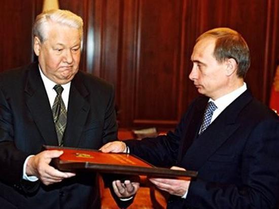 Экс-помощник Ельцина объяснил выбор Путина преемником