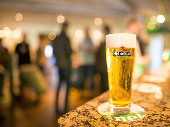 Производитель пива Heineken сократит 8.000 рабочих мест