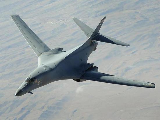 Байден готовится отправить бомбардировщики B-1 к границам России