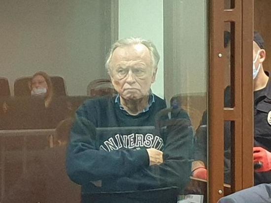В Петербурге суд отказался удалять выпуск Собчак про историка Соколова
