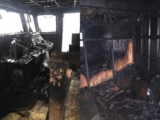 В городе Азове Ростовской области произошел пожар на танкере «Степан Разин», пришвартованном на территории АО «Азовская судоверфь»