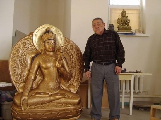 Автору главных хурульных скульптур Калмыкии исполняется восемьдесят