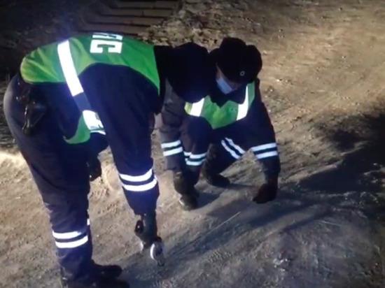 В Улан-Удэ мальчик скатился со стихийной горки и попал под колеса автомобиля