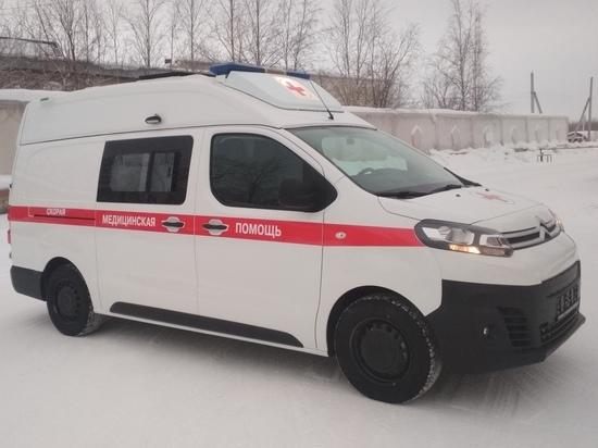 Сел на диван и потерял сознание: педиатр Надымской ЦРБ спасла от смерти пенсионера в офисе банка