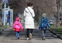 Ученые на основе разработанной в Израиле математической модели подтверждают, что дети на половину восприимчивы к COVID-19 по сравнению со взрослыми, и на треть меньше способны заражать других