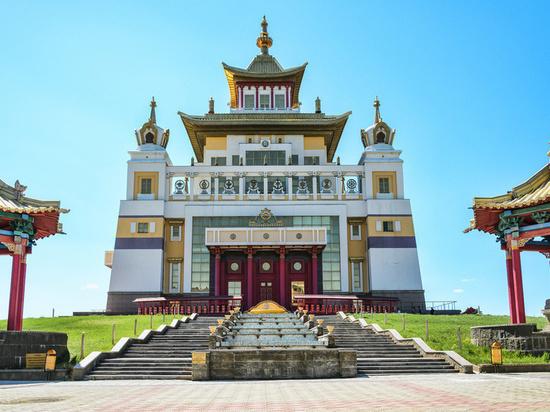 В Калмыкии отмечают национальный праздник «Цаган Сар»