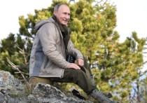 Дмитрий Песков заявил журналистам, что информация, появившаяся в газете «Коммерсант», о том, что Путин отложил вакцинацию от коронавируса «поближе к осени»  неправильно изложена автором