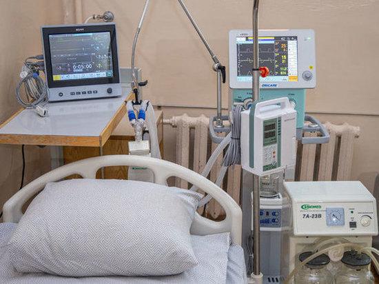 Врачи борются за жизни 212 человек с коронавирусом в Ростовской области