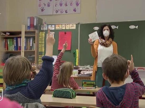 Германия: Берлин возобновляет работу школ