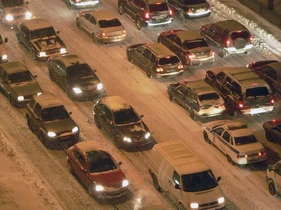 Пробки в Москве достигли 9 баллов из-за снегопада