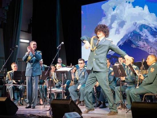 Оркестр Росгвардии дал концерт в Лермонтрове