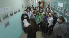 Выставка фоторабот Бориса Семёнова в школе №6