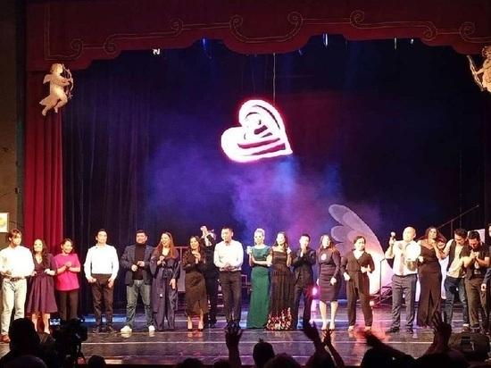 Калмыцкие актеры спели о любви, боли расставаний и высоких чувствах