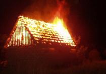 Ночью в Ивановской области сгорели садовый домик и баня