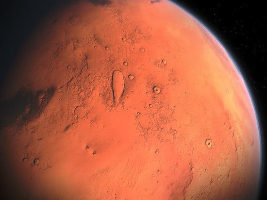 «Роскосмос» опубликовал красочный снимок марсианского кратера