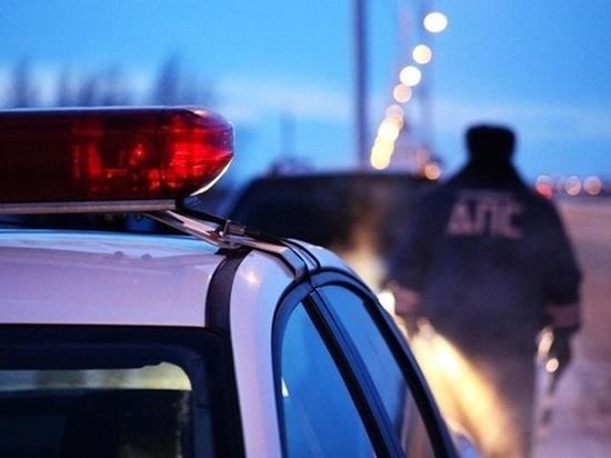 В Волгодонске водитель на отечественном авто врезался в опору ЛЭП