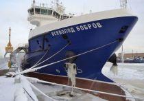 Судно тылового обеспечения проекта 23120 «Всеволод Бобров», названное в честь выдающегося хоккейного тренера, в феврале завершит швартовые испытания, а в марте начнет ходовые в Балтийском море