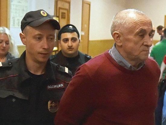 У экс-главы Удмуртии Александра Соловьева отнялись ноги в СИЗО