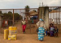 Новая вспышка геморрагической лихорадки Эбола, которая произошла в Гвинее, поставила вопрос о принятии срочных мер по предотвращению распространения этого заболевания в других странах